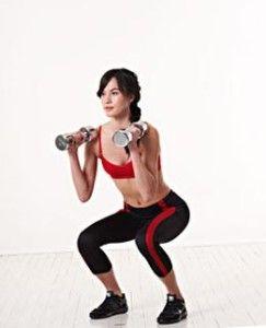 Приседания с весом - одно из самых эффективных цпражнений