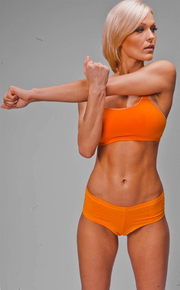 Упражнения с гантелями на трицепс дадут результат через месяц