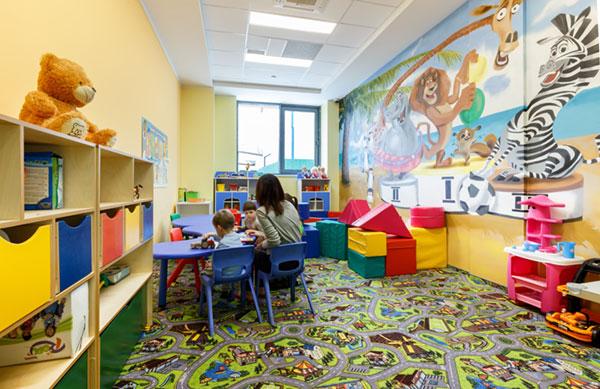 Комната для детей в сети клубов X-Fit