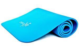 Тренировки дома для девушек станут комфортнее при использовании коврика