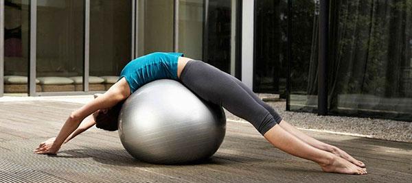Как развить гибкость спины важно знать всем девушкам