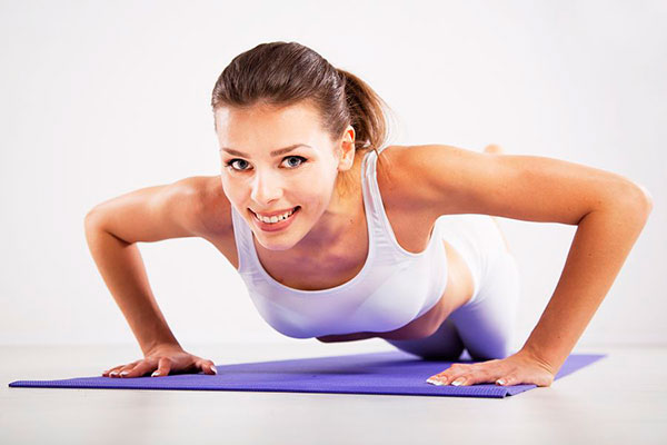 Упражнения для грудных мышц для девушек - важная часть тренировки
